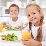 Питание детей дошкольного и школьного возраста